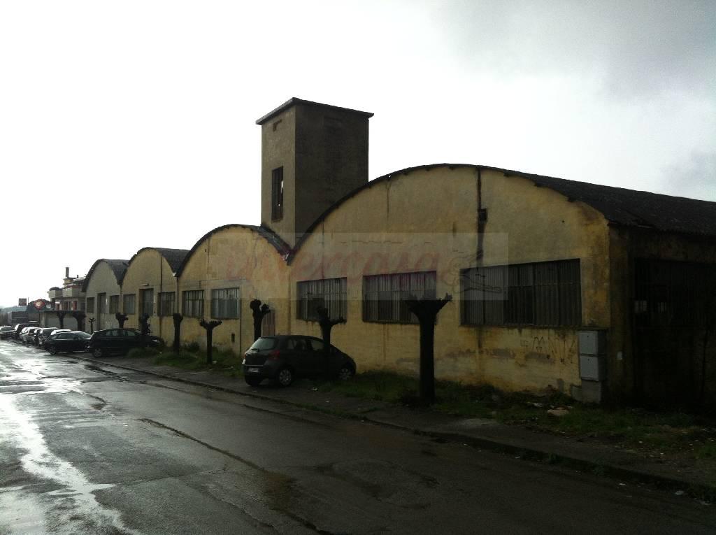 MONTALE CAPANNONE in VENDITA MONTALE €